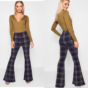 NEW Boohoo Beth Navy Army Green Plaid Flare Bell 4